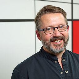 Dr Ian Gurner